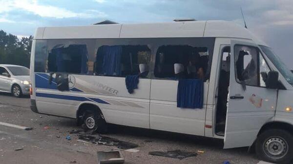 Автобус, на котором передвигались члены общественного движения Патриоты - За Жизнь