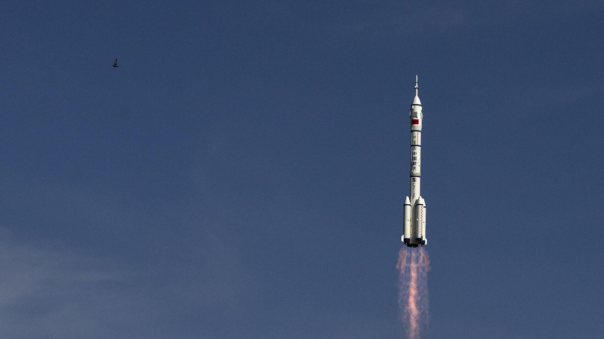 Старт ракеты-носителя Чанчжэн-2F c космодрома Цзюцюань, КНР - РИА Новости, 1920, 14.09.2020