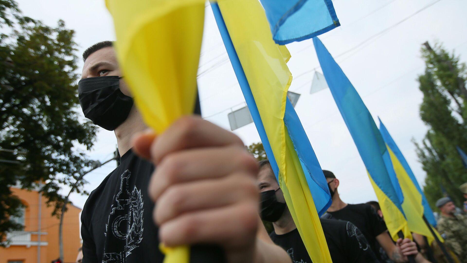 Участники Марша защитников Украины во время акции в рамках празднования Дня независимости страны в Киеве - РИА Новости, 1920, 07.09.2020