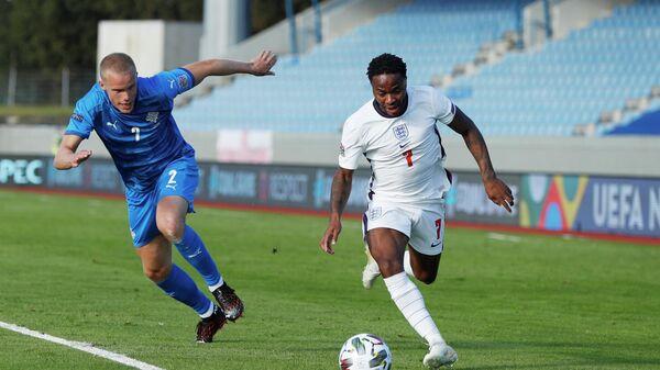 Игровой момент матча сборных Исландии и Англии