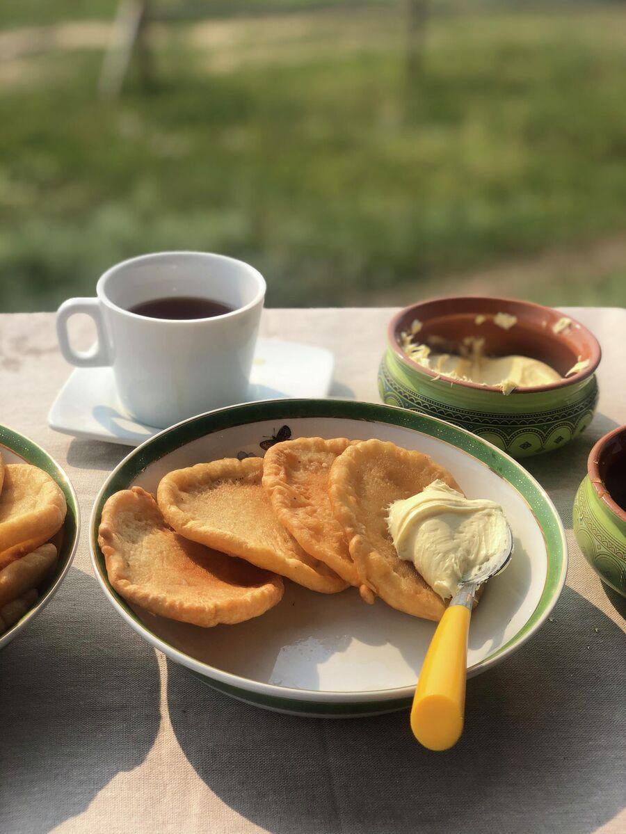 Самый северный Саха Чай с блинчиками, медом и местной сметаной