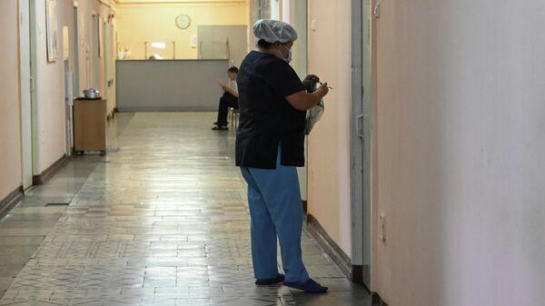Медицинский персонал в больнице Charite в Берлине, где находится Алексей Навальный