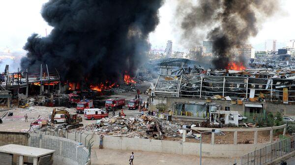 Пожар на складе в порту Бейрута