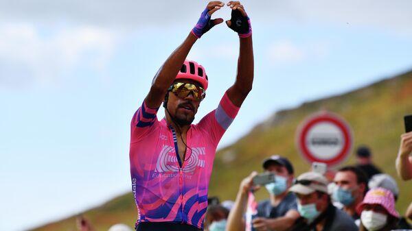 Колумбийский велогонщик команды EF Pro Cycling Даниэль Мартинес