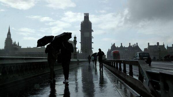 Прохожие в Лондоне