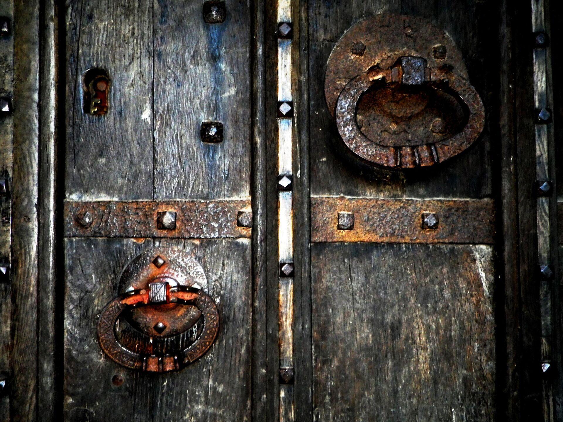 Старинная дверь - РИА Новости, 1920, 15.09.2020