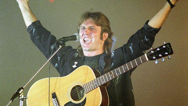 Конкурс рок-музыки, организованный газетой Московский комсомолец. Выступает эстрадный певец Юрий Лоза