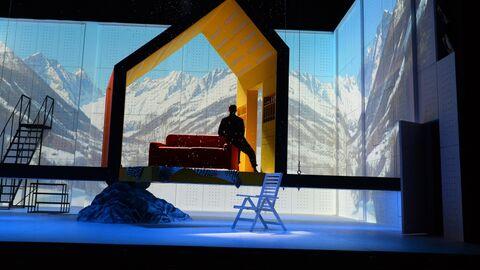 Показ спектакля «Ловушка для наследника» в театре О. Табакова