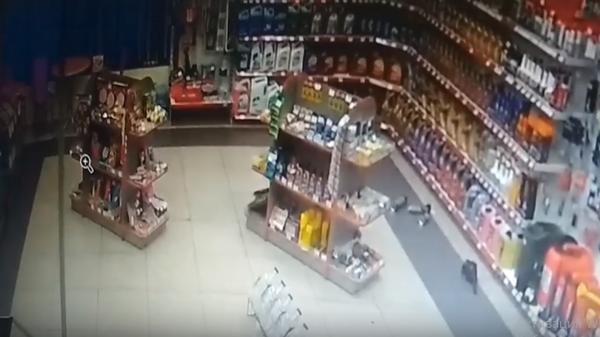 Момент землетрясения в Прибайкалье попал на видео