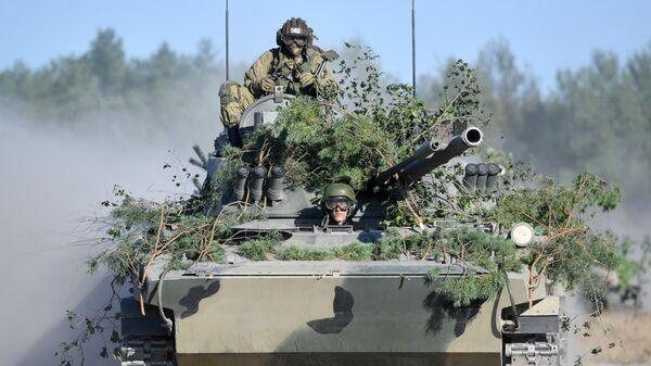 Военная техника во время учений Славянское братство - 2020