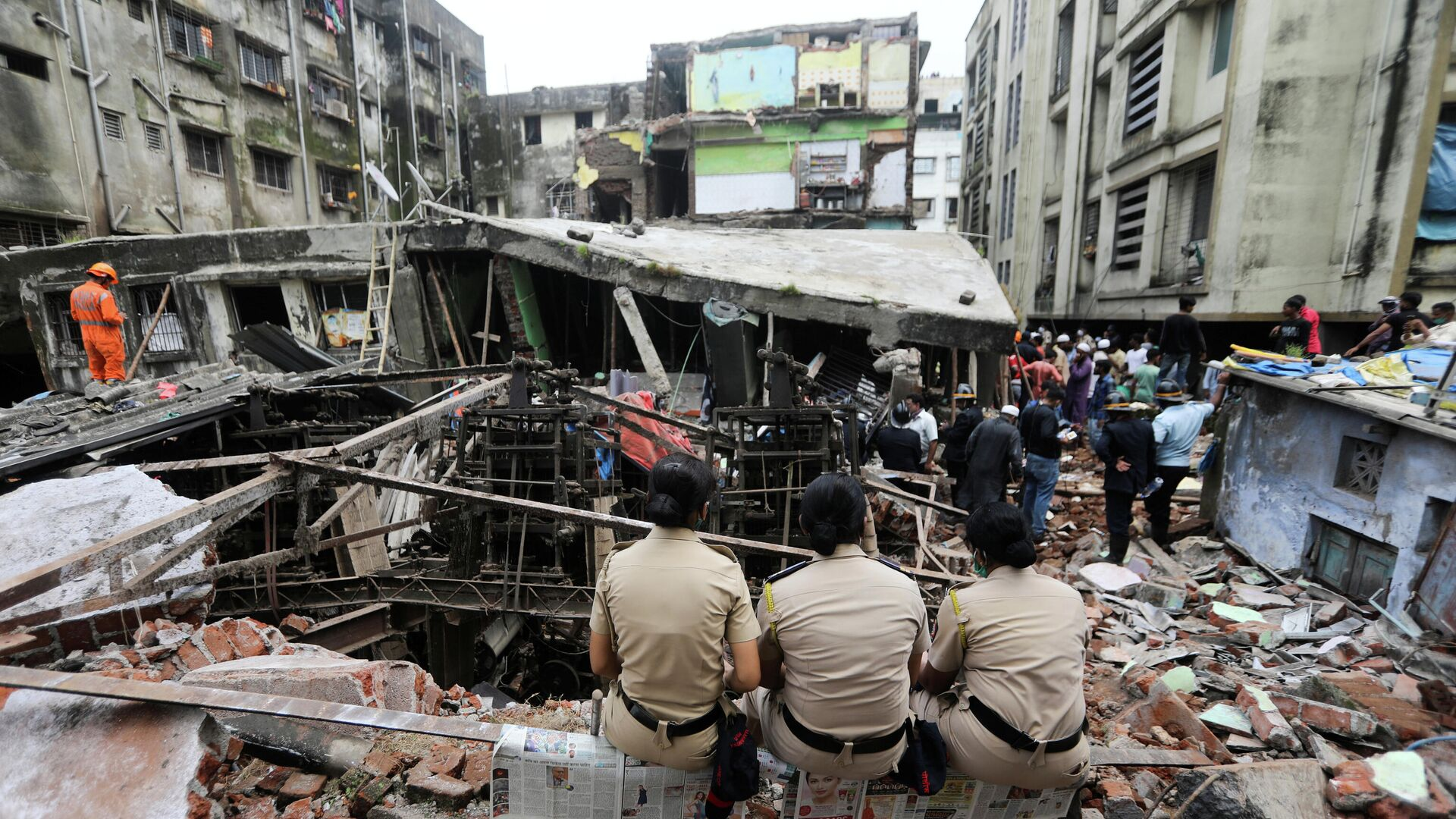 Последствия обрушения трехэтажного здания в городе Бхиванди, Индия - РИА Новости, 1920, 23.09.2020