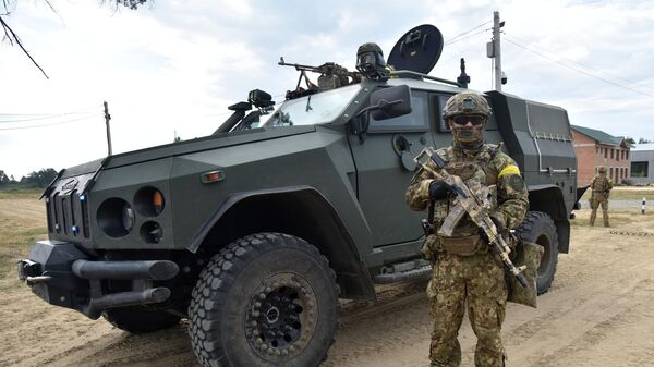 Военнослужащие Украины во время активной фазы на совместных военных учениях Украины и стран НАТО