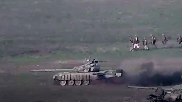 Уничтожение азербайджанских танков военными Армении. Стоп-кадр видео