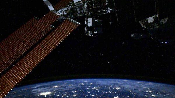 Ночное небо и Большая Медведица с борта МКС