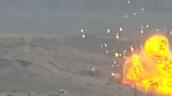Удары карабахской армии по азербайджанским позициям. Кадры Минобороны Армении