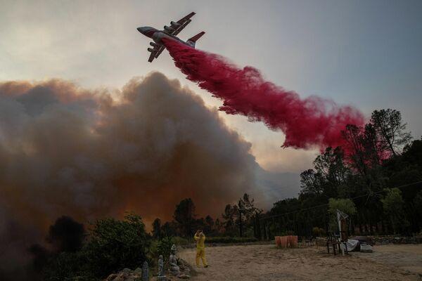 Тушение пожаров в Калифорнии, США
