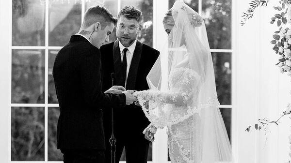 Фото со свадьбы Хейли и Джастина Бибер