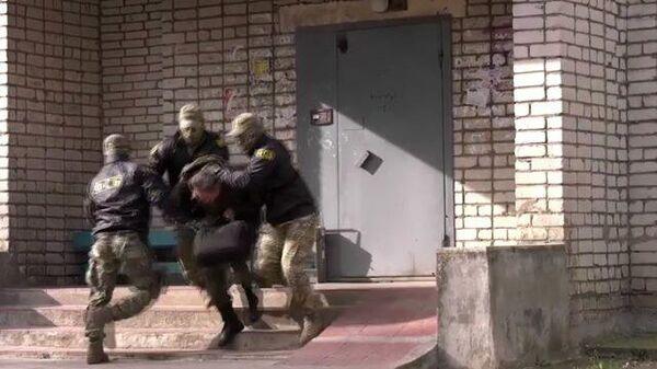 Спецоперация ФСБ по задержанию подозреваемых в госизмене в Пскове и Смоленске