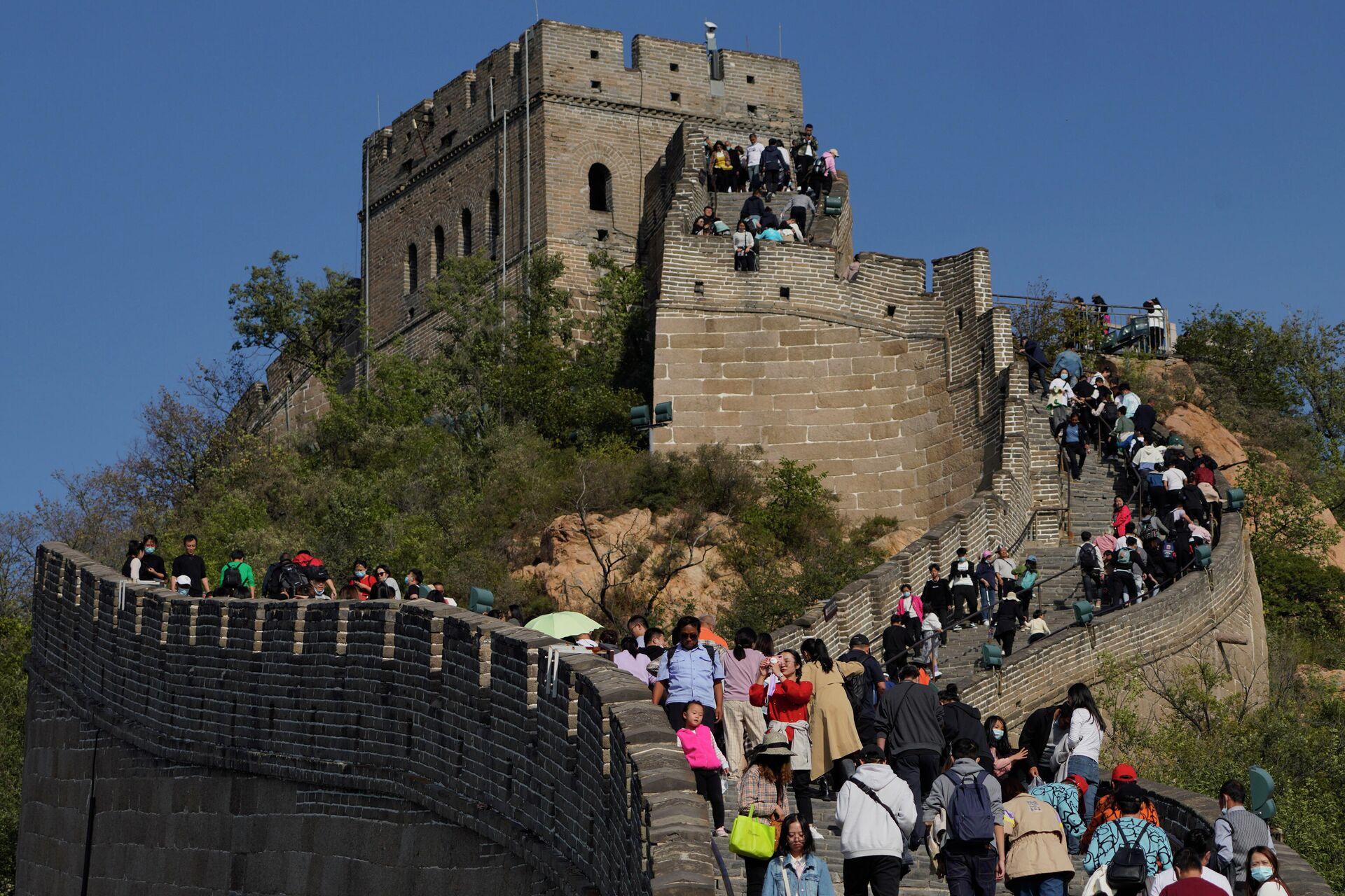 Туристы на участке Великой китайской стены Бадалин - РИА Новости, 1920, 07.10.2020