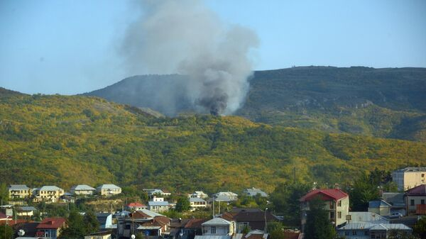 Дым от пожаров вследствие артиллерийских ударов по Степанакерту