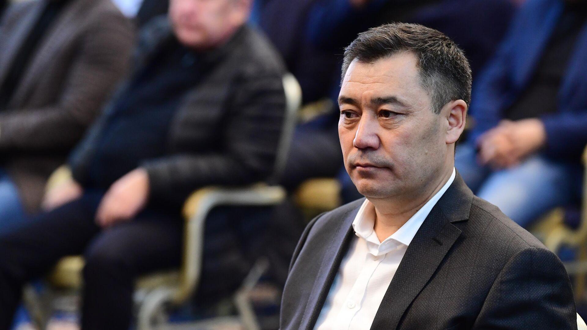 Кандидат на пост премьер-министра Садыр Жапаров на внеочередном заседании парламента Киргизии - РИА Новости, 1920, 10.10.2020