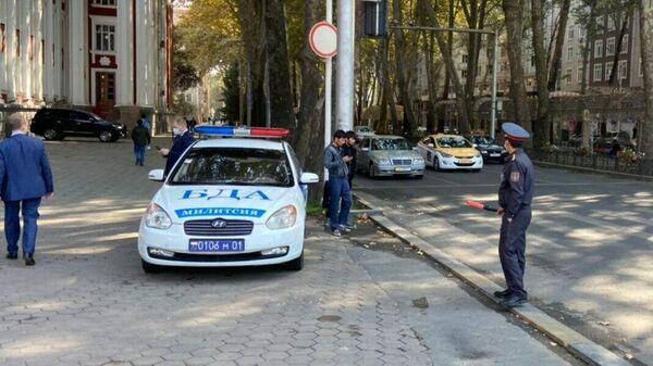 Сотрудники правоохранительных органов в Душанбе