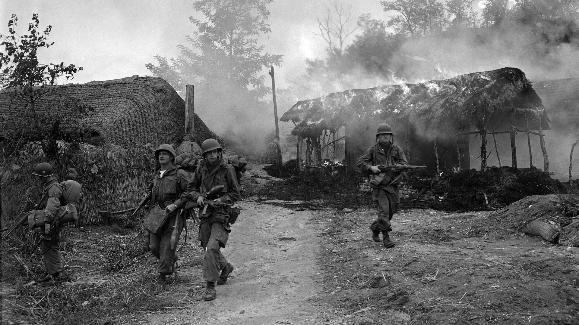 Корейская война. Американские военные в Сукчене, Северная Корея. 20 октября 1950 года  - РИА Новости, 1920, 26.11.2020
