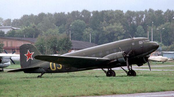 Самолет Ли-2