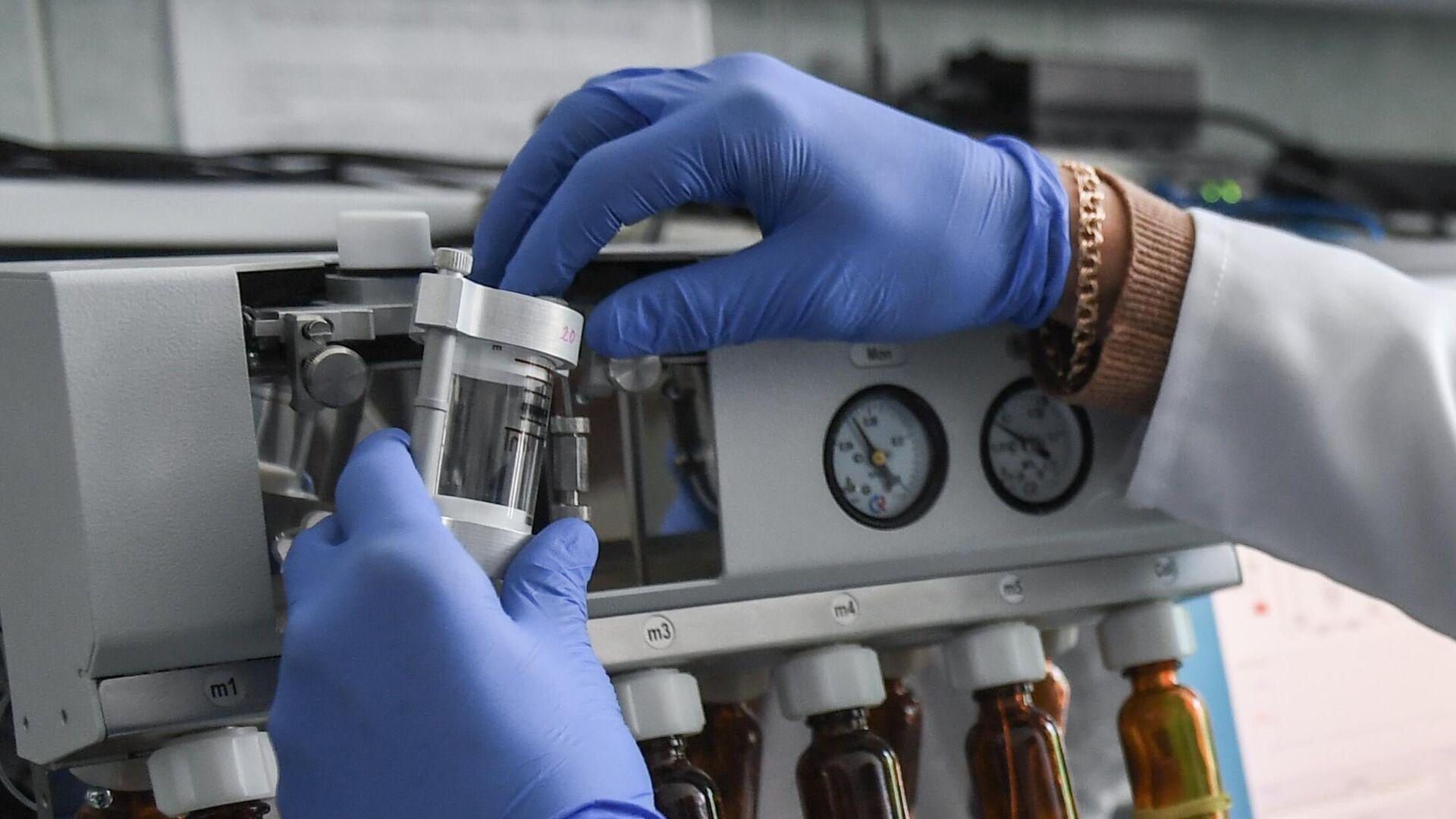 Учёные Крымского федерального университета разработали новую вакцину от коронавируса - РИА Новости, 1920, 28.10.2020