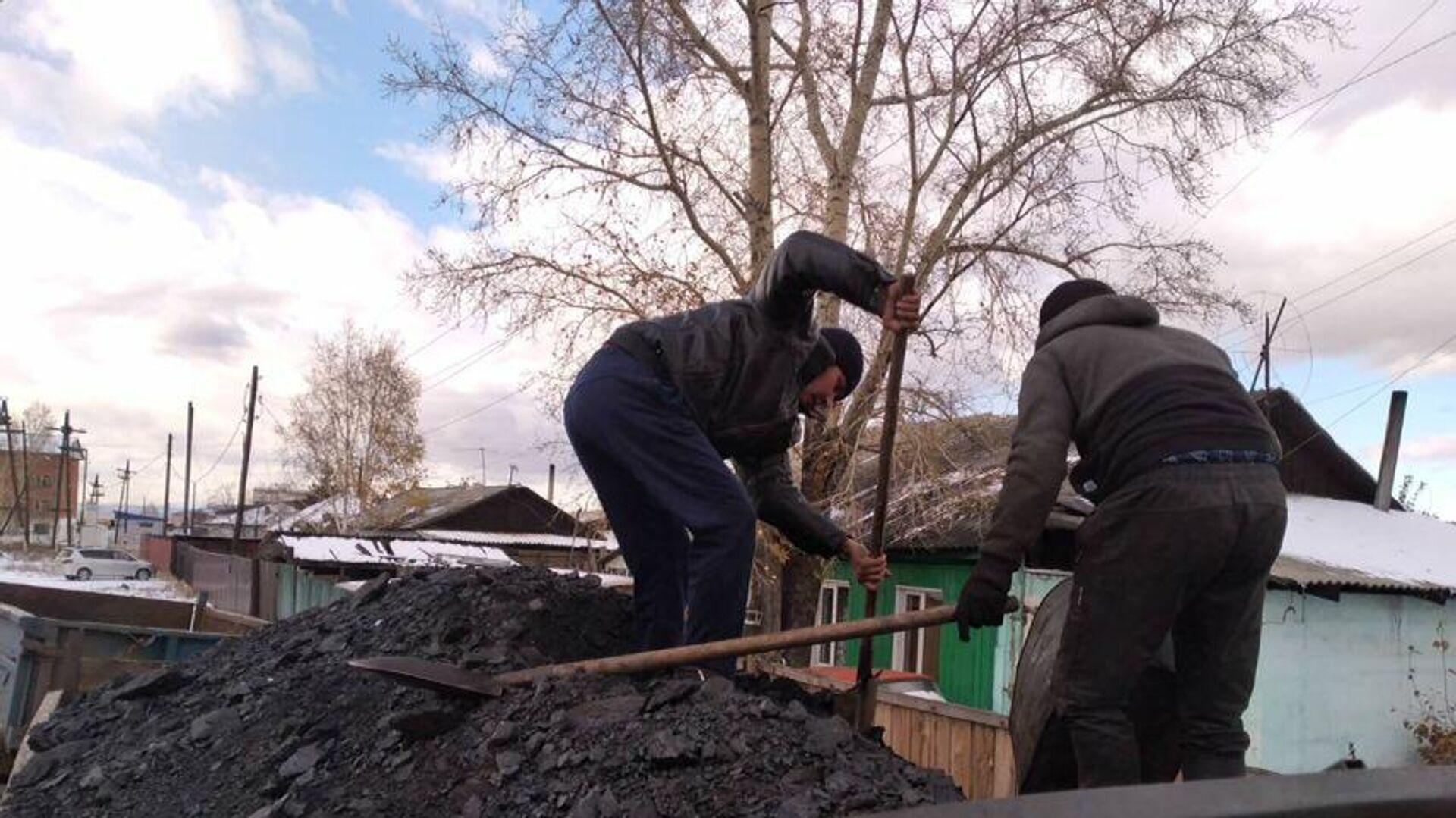 Врио главы Тувы предложил снизить цены на уголь в республике