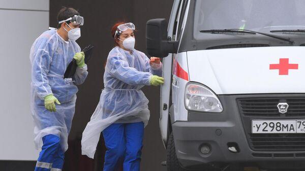 В Москве выявили 4 453 новых случая заражения коронавирусом