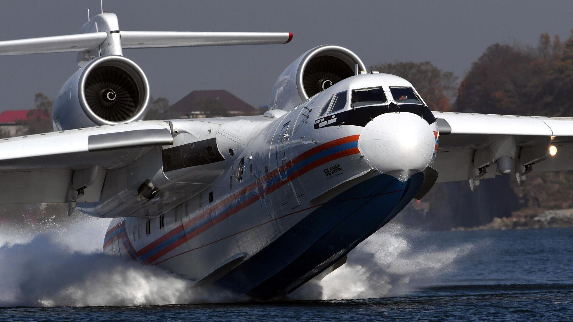 К тушению лесных пожаров в Якутии привлекут самолет Бе-200