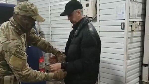 Кадры ареста Анатолия Быкова