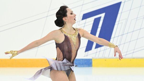 Елизавета Туктамышева выступает с короткой программой в женском одиночном катании на III этапе Кубка России - Ростелеком 2020-2021 гг. по фигурному катанию в Сочи.