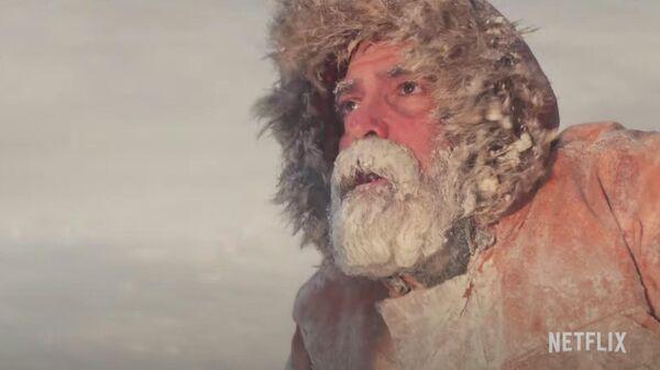 Джордж Клуни в фильме Полуночное небо