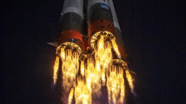 Запуск РН Союз-2-1а с кораблем Союз МС-17 с космодрома Байконур