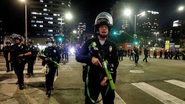 Полиция во время акции протеста в Лос-Анджелесе