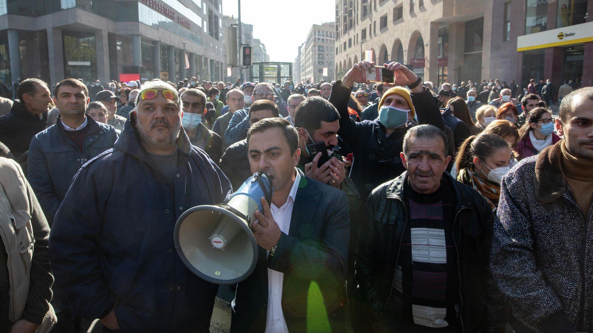 Участники митинга оппозиции на площади Свободы в Ереване - РИА Новости, 1920, 11.11.2020