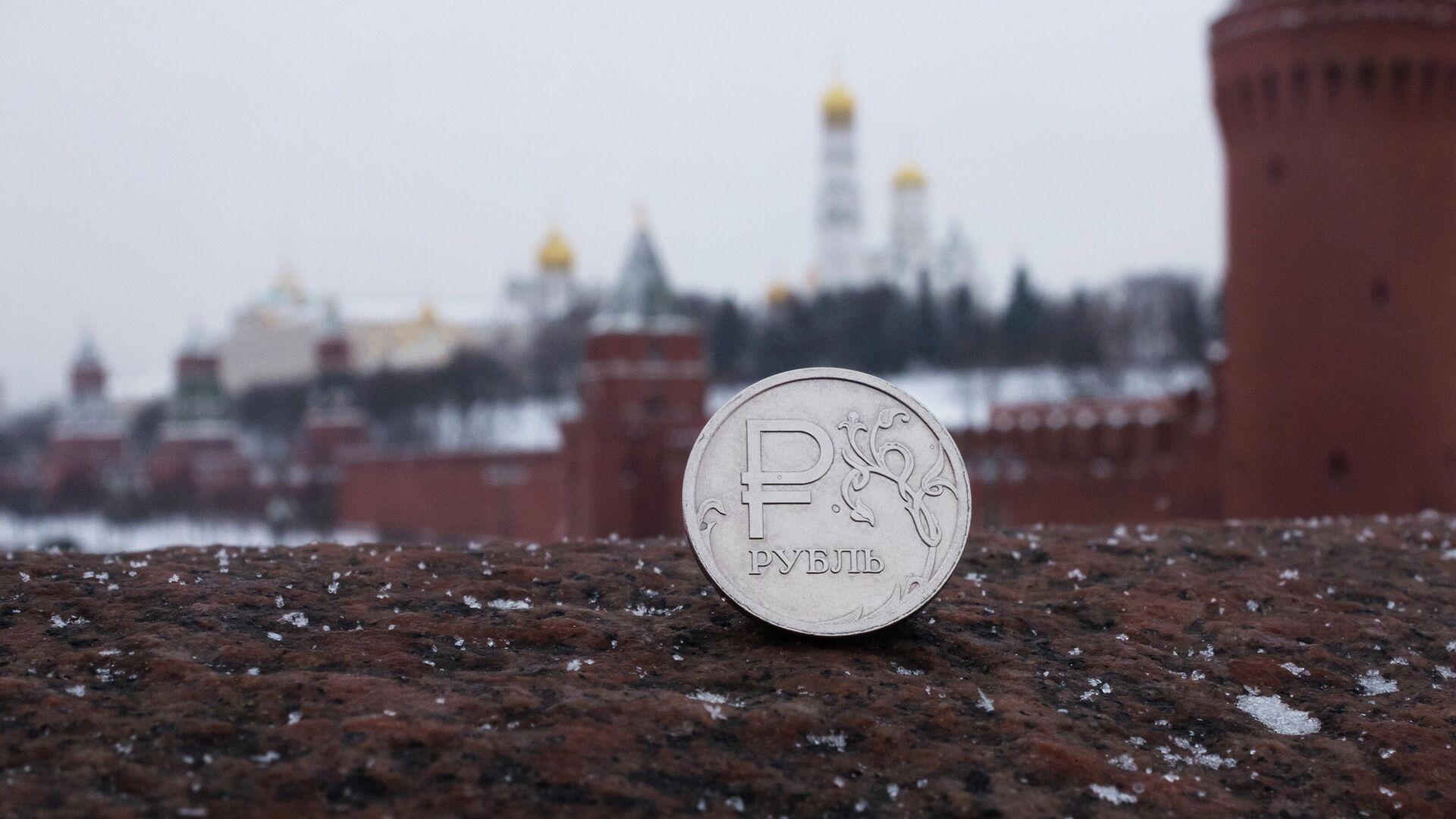 Набиуллина рассказала, кому нужен слабый рубль