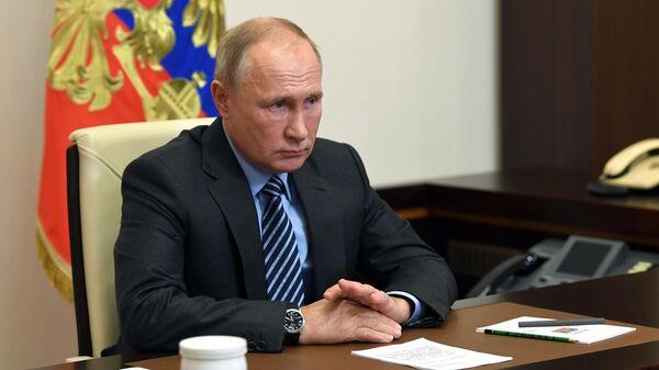 Президент РФ Владимир Путин проводит в режиме видеоконференции совещание по вопросу О гуманитарной миссии в Нагорном Карабахе