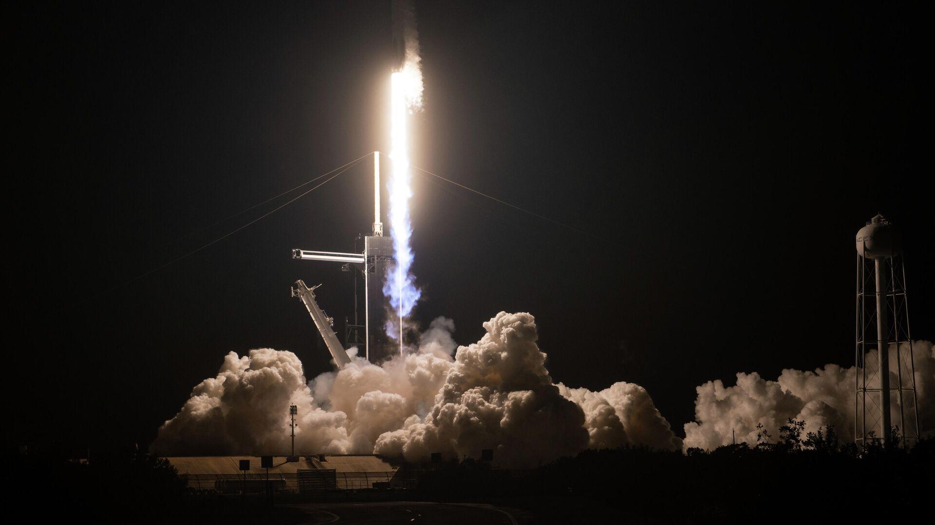 Старт ракеты Falcon 9 с кораблем Crew Dragon - РИА Новости, 1920, 23.02.2021