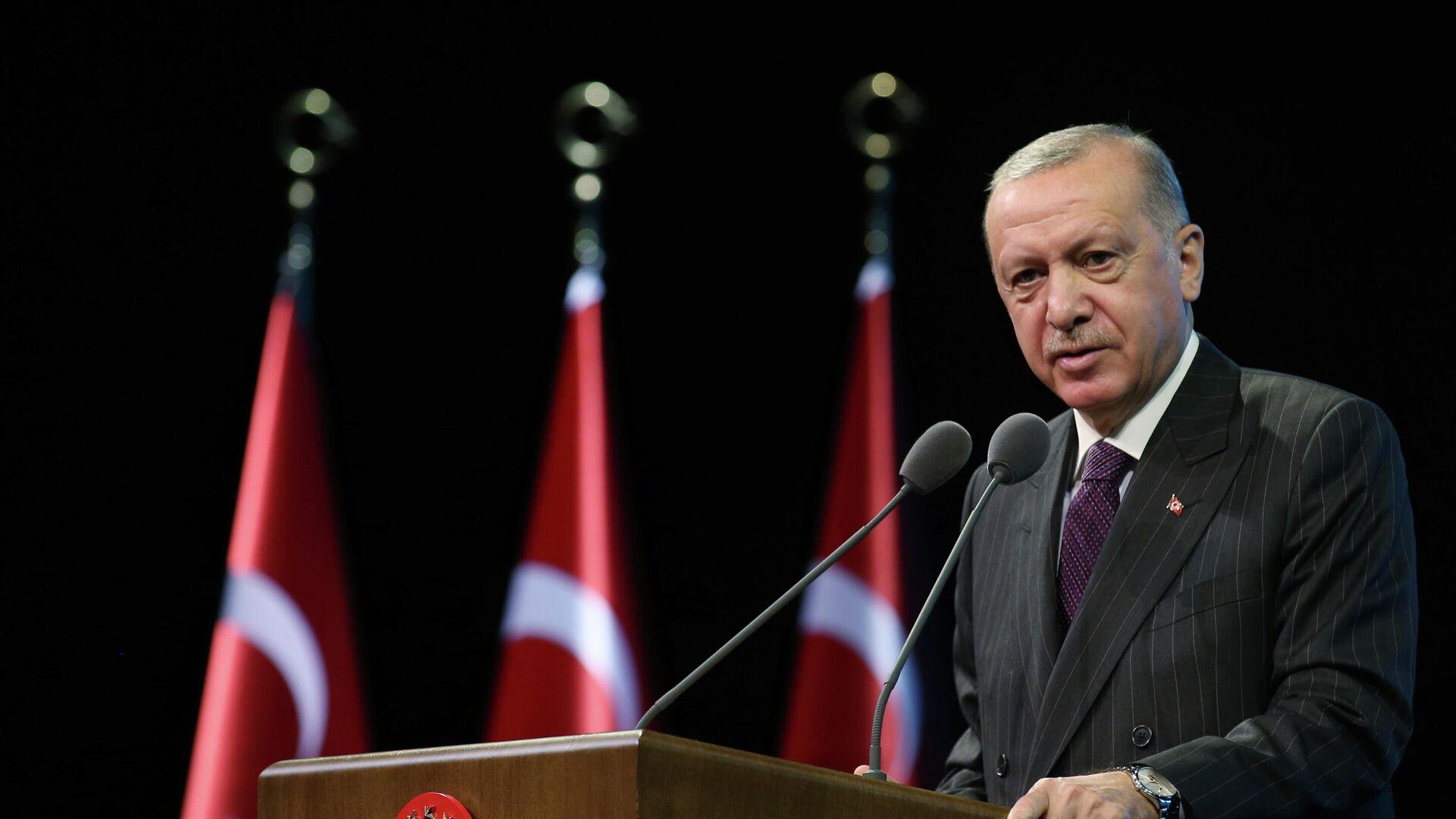 """Премьер Италии назвал Эрдогана """"диктатором, с которым нужно сотрудничать"""""""