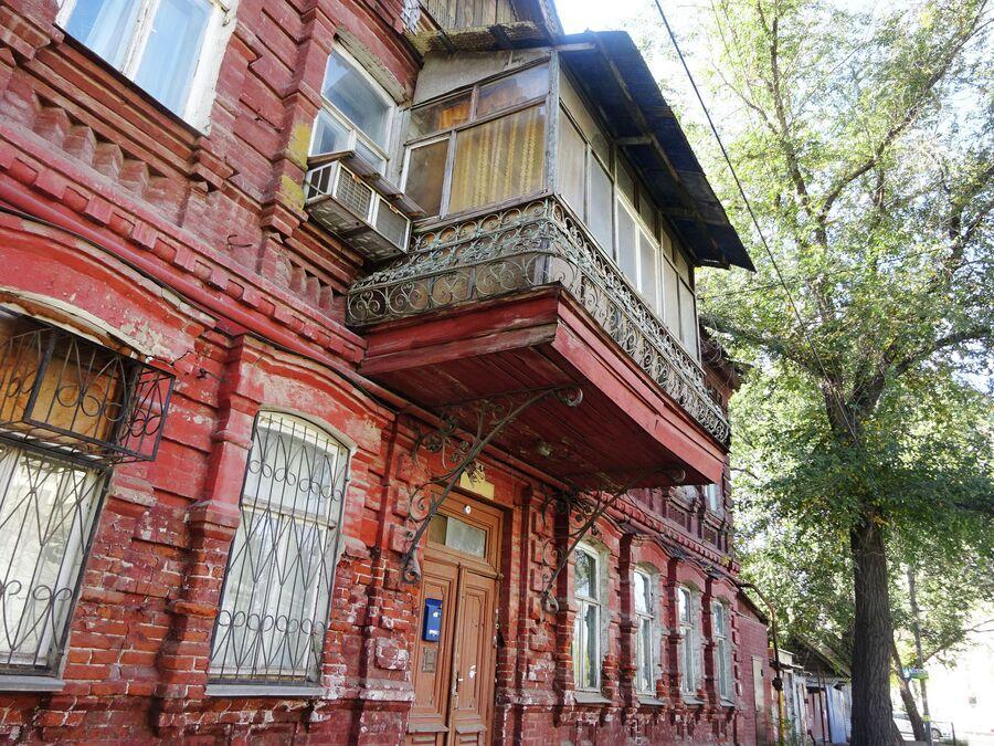Астрахань. Балкон дома