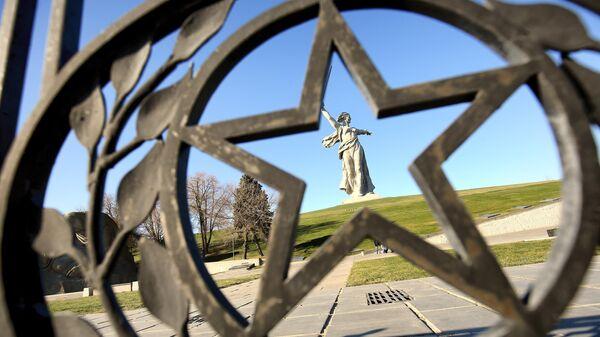 Монумент Родина-мать зовет! на Мамаевом кургане в Волгограде