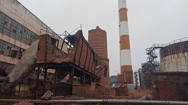 На месте обрушения трубы котельной в Вологде