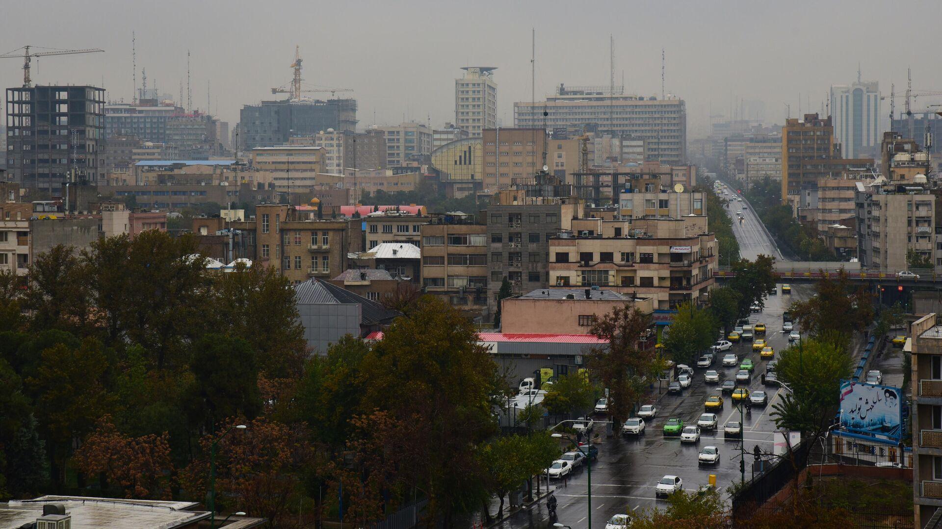 Вид на Тегеран в первый день введения ограничительных мер в связи с распространением коронавируса - РИА Новости, 1920, 05.02.2021
