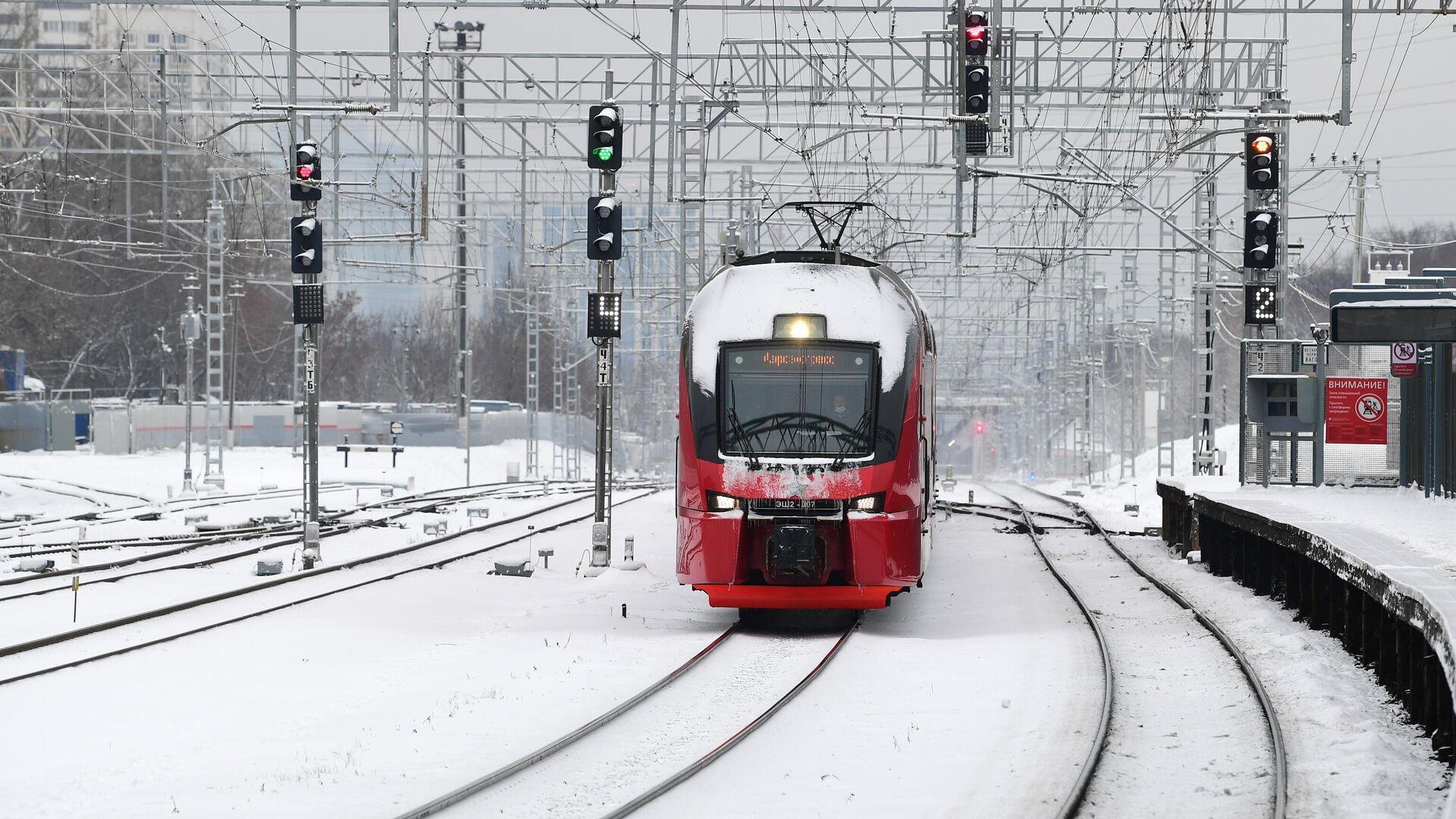 Поезд на станции - РИА Новости, 1920, 23.03.2021