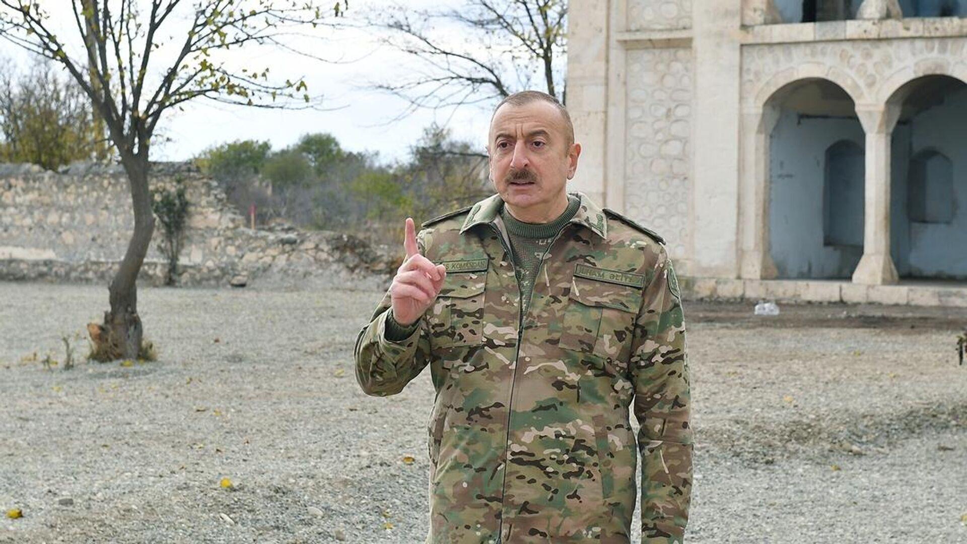 Президент Азербайджана Ильхам Алиев во время посещения города Агдам - РИА Новости, 1920, 26.02.2021
