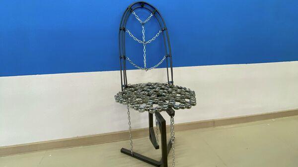 Арт-объект Левитирующий стул от представителей Горно-стротельного колледжа