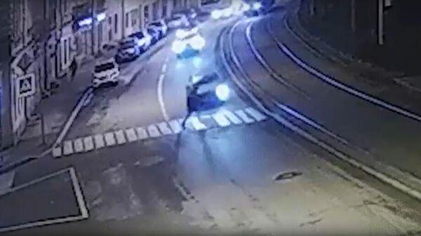 Кадр видео наезда на пешехода в Санкт-Петербурге